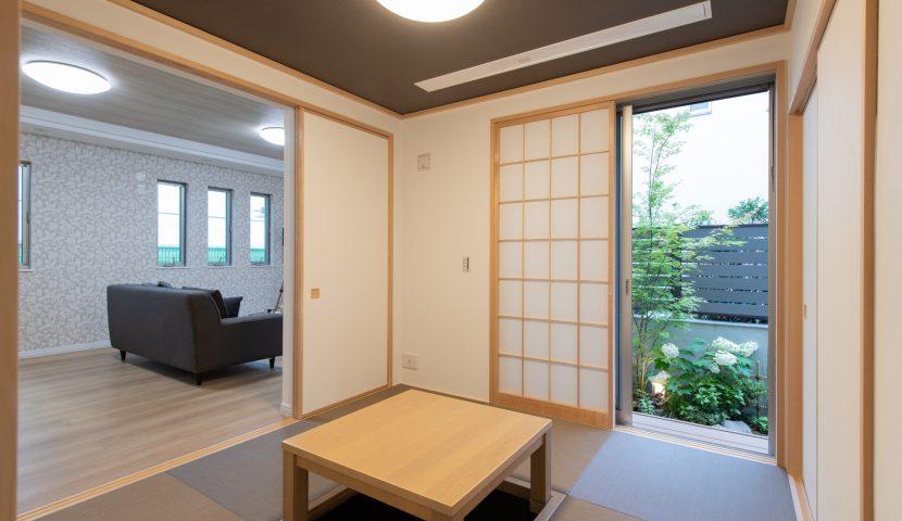 リビングと和室を開放的に繋げた大空間LDK。